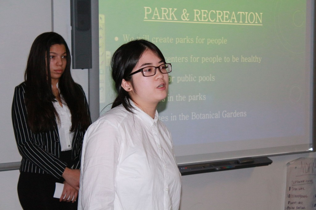 House I students gave their presentations on December 4.